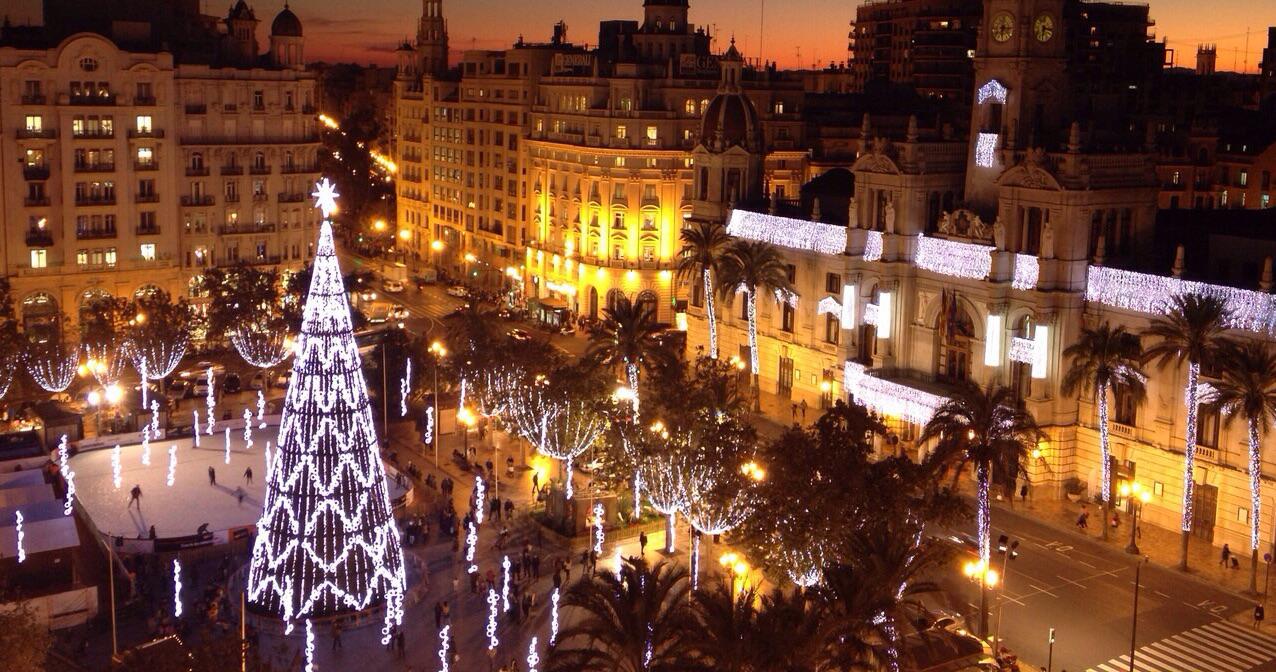 """Más calles con luz y carteles de """"Feliz Navidad"""" este 2019 en Valencia"""