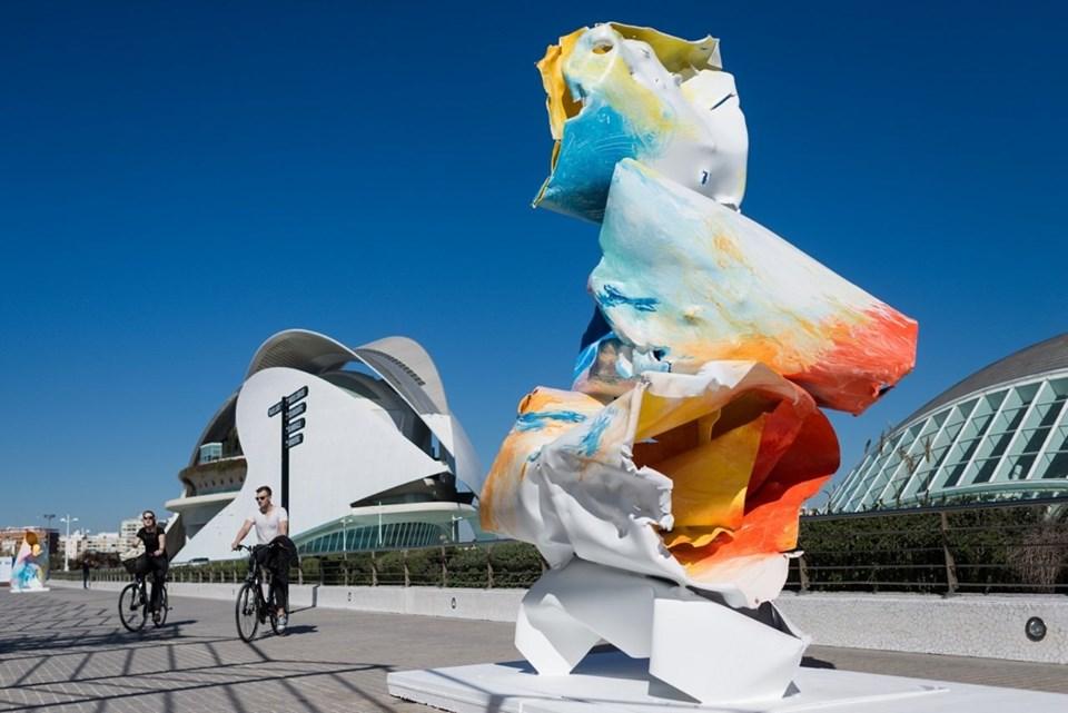 Las Artes y las Ciencias multiplican su color con Arne Quinze