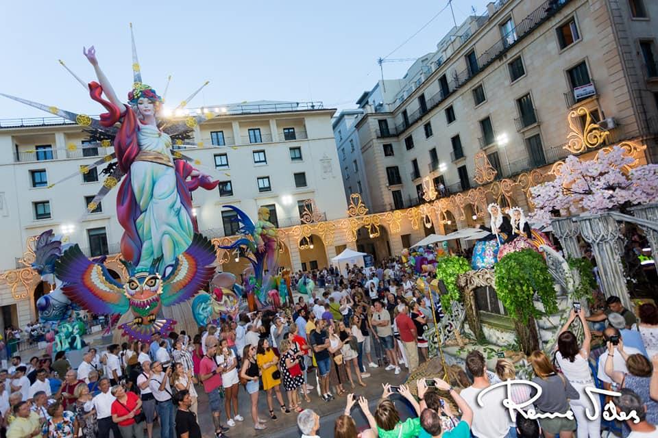 Las Hogueras de Alicante 2020 siguen en el calendario