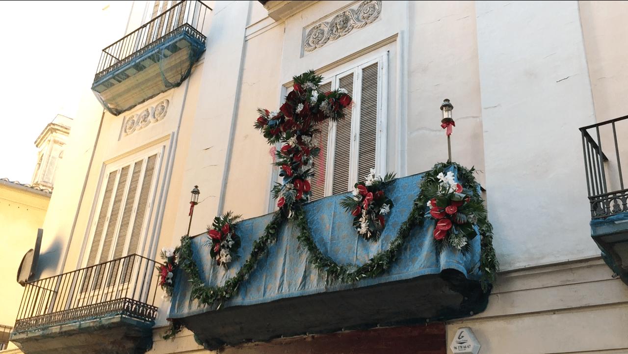 El concurso de las Cruces de Mayo será desde los balcones
