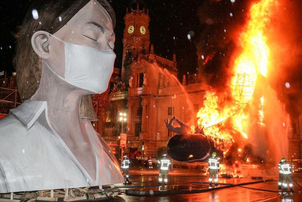 Revive la cremà de la falla municipal de Valencia 2020